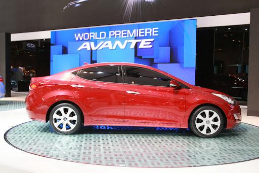 2011-Hyundai-Elantra-19.JPG