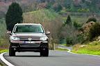 фото Volkswagen Touareg 2011-17.jpg