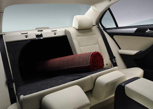 2011-Volkswagen-Jetta-24.jpg
