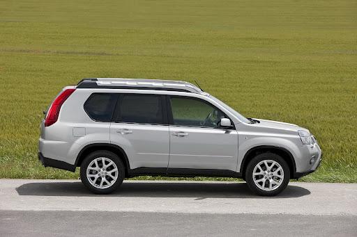 2010-Nissan-X-Trail-18.JPG
