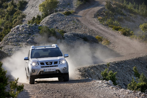 2010-Nissan-X-Trail-20.JPG
