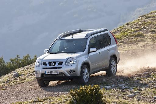 2010-Nissan-X-Trail-21.JPG