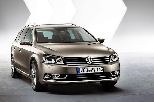 2011-Volkswagen-Passat-B7-2.jpg