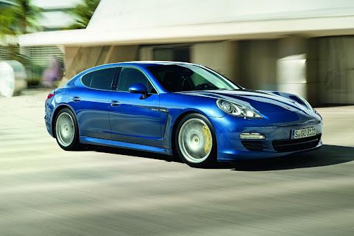 2011-Porsche-Panamera-S-Hybrid-07.jpg