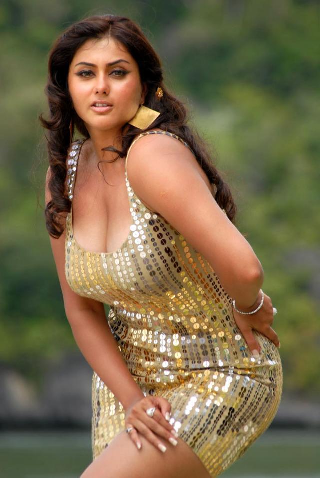namitha boobs show