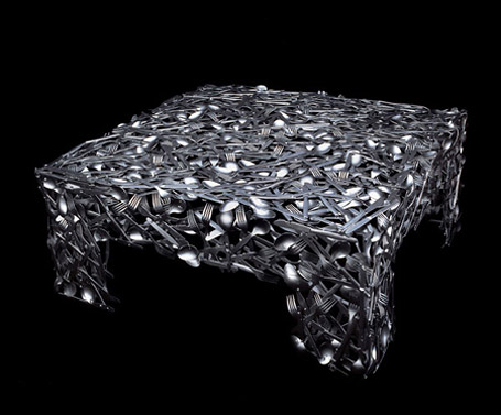 طاولات باشكال غريبة creative-tables-fami