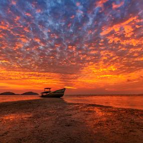 by Charliemagne Unggay - Landscapes Sunsets & Sunrises ( golden hour, sunset, sunrise,  )