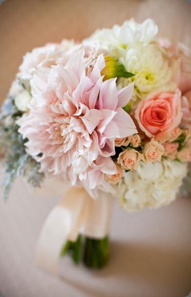 0012-100928-1012 modern bouquet