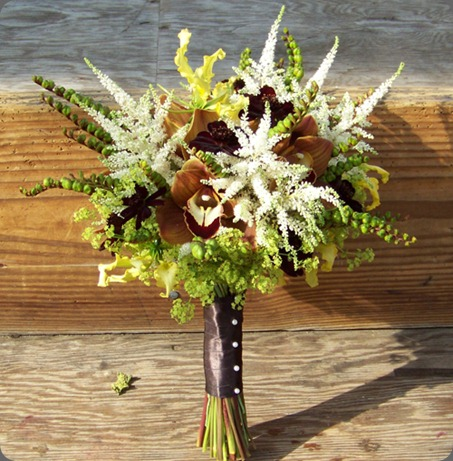 200908162362 chocolate cosmos, chocolate cymbidiums, astilbe, yellow gloriosa lilies, alchemilla, and montbretia pods floral verde