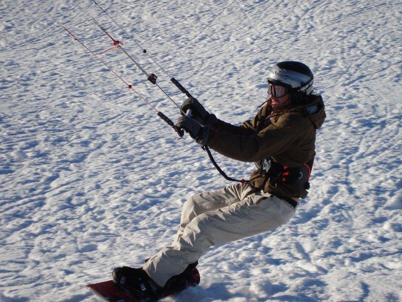 Gros plan Snowkite harnais voile