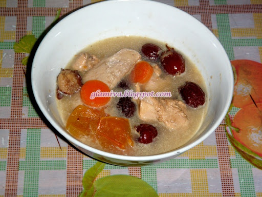 easy simple recipe for chicken soup with red dates and carrots