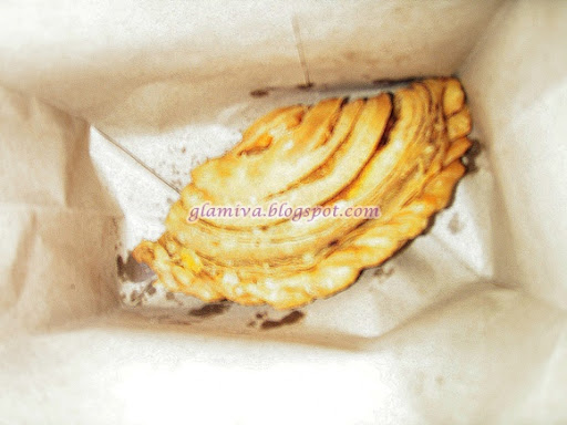 review currypuff from tuah baker centre point kota kinabalu sabah