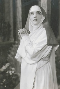 Geraldine Farrar as Suor Angelica [Photo by White Studio]