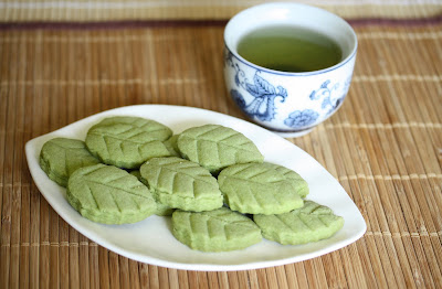 Matcha Green tea shortbread leaves
