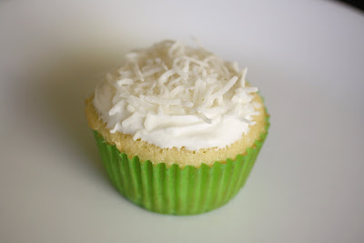 close-up photo of one cupcake