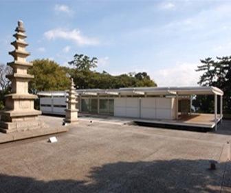 House-in-Japan-Tokyo-Japan-norman-foster-obras-arquitectura-contemporanea-neo-arquitectura_