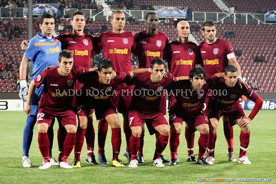 UEFA Champions League 2010/11. CFR Cluj - FC Basel 2-1 // Jucătorii stau la poza de grup
