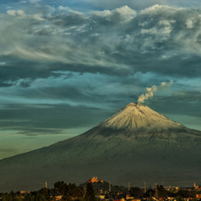 Smoking volcano by Cristobal Garciaferro Rubio - City,  Street & Park  Vistas ( volcano, popo, mexico, puebla, popocatepetl )