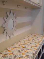 Giraffe, bench, pillows 006