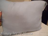 Giraffe, bench, pillows 025