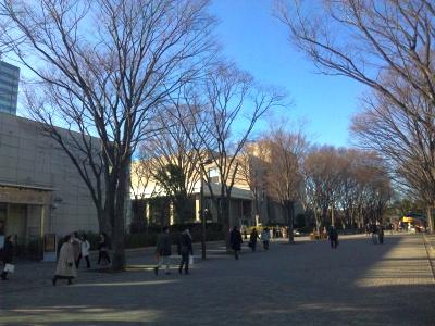 SBSH0099N響ホール前1月_400.jpg