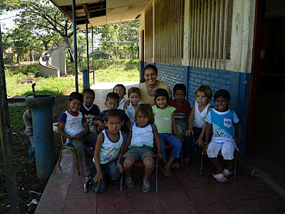 Veronica with her class of youngsters (November 2008)