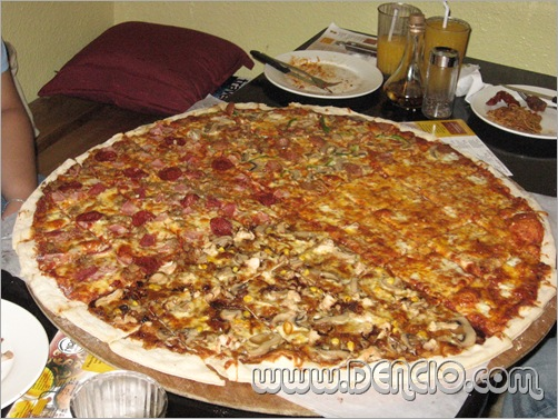 "Niro's 30"" Pizza in 4 Diffent Flavors"