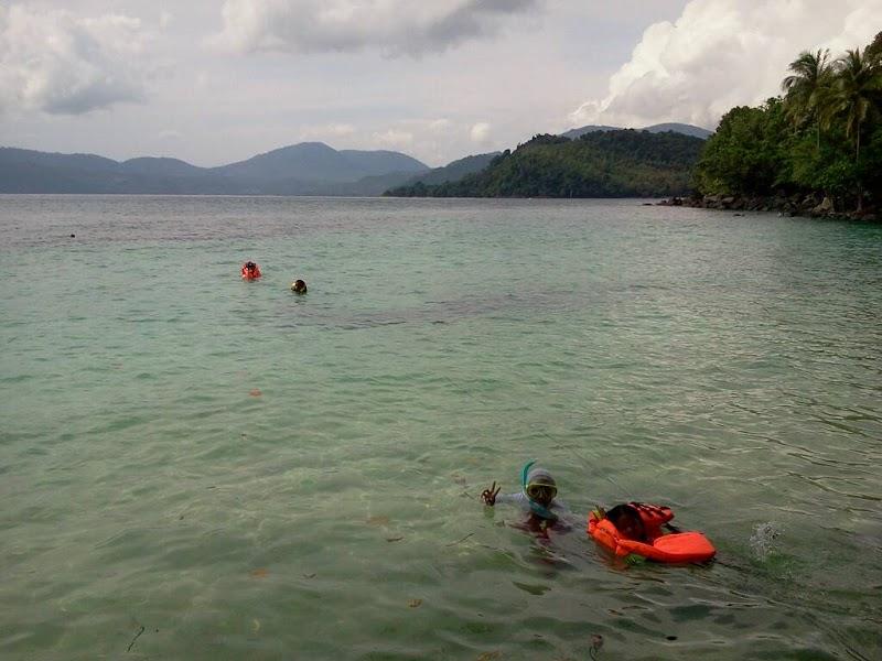 Kemping di Pulau Rubiah (Tiga)