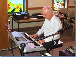 Peter Brophy playing his Yamaha PSR-910 for the Care & Craft members
