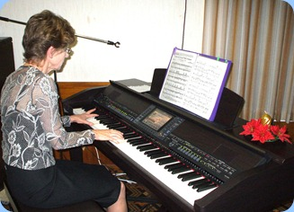 Denise Gunson playing the Clavinova in her lovely relaxed style