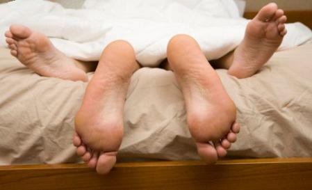 dzimumattiecības ārpus laulībām