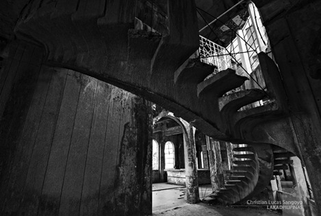 The Skeletal Remains of the Winding Staircase