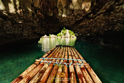 Into the Portal, Watch Your Head at Coron's Twin Lagoon