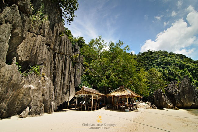 Huts at Coron's Banol Beach