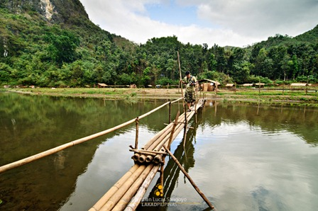 A Bamboo Bridge Along the Side Waters of Wawa River