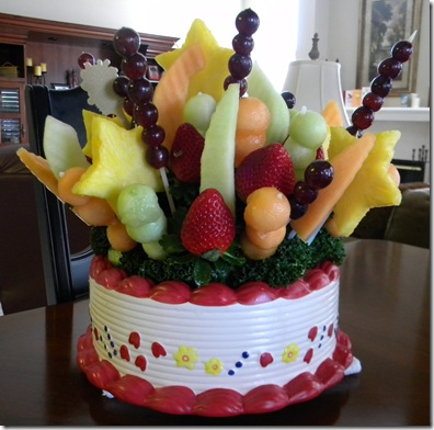 Edible Arrangement from Carole' Anne 002