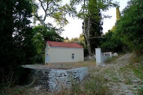 Ayios Yannis Kapelle mit Kalderimi