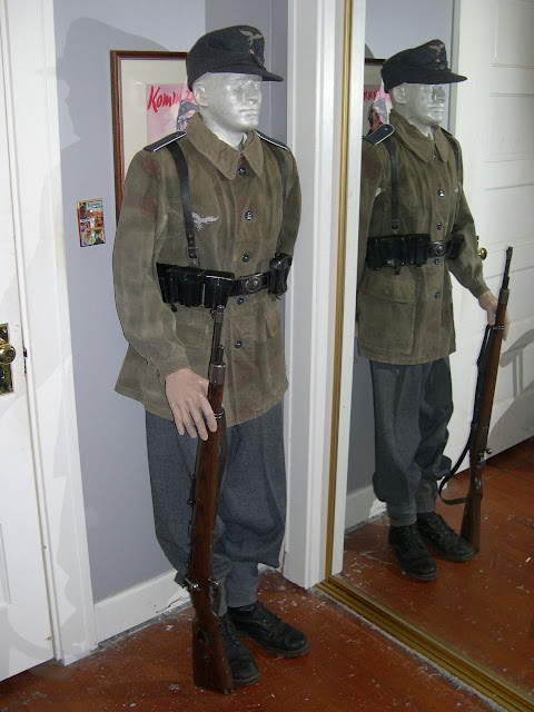 Uniforms On Mannequins With Kit Page 210 Wehrmacht