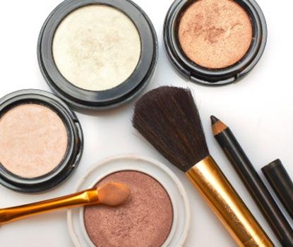 maquiagem verao 2009%5B3%5D Olhos realçados e pele com gloss são tendências do verão