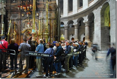 Holy Sepulcher, line to enter tomb, tb011610713