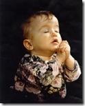 niños rezando (9)