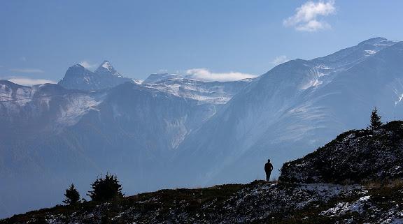 Sendero en Bettmeralp,Valais, Suiza