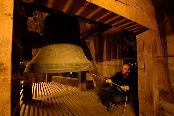 Carnaval de Tarragona, dimecres 0.00 h (29.02.2006)Toc de Quaresma (toc de Quera) des del campanar de la catedral de Tarragona. Campaners de la Catedral.