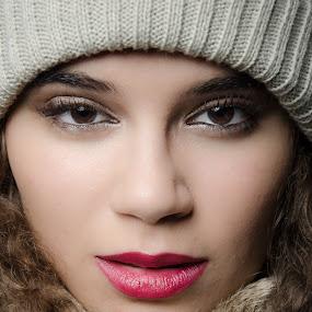 Winter look by Fernanda Magalhaes - People Portraits of Women ( look, winter, retrat, woman, beauty, close up, portrait )