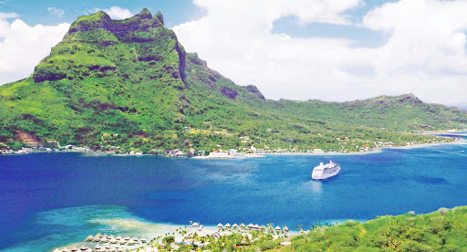 Ocean-Princess-in-BoraBora-2 - Book a sailing on Ocean Princess to take in the breathtaking beauty of Bora Bora.