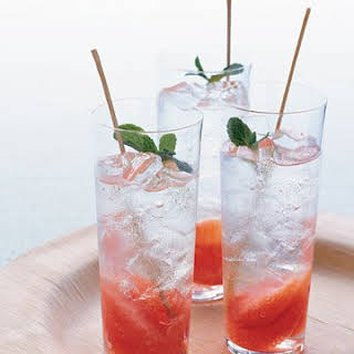 Grapefruit-and-Mint Mojito.