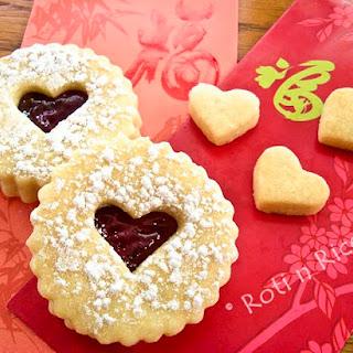 Valentine Linzer Cookies