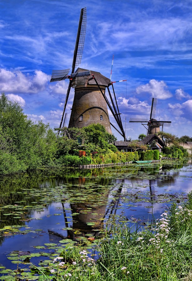 Kinderdijk III by Stefano Landenna - Buildings & Architecture Public & Historical ( kinderdijk, canal, netherlands, windmill )