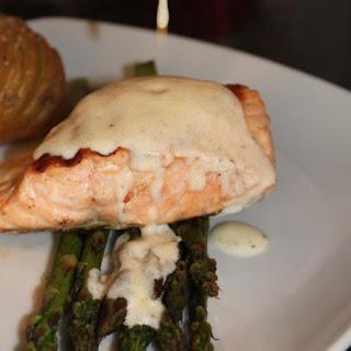 Salmon Fillet & Asparagus with Lemon & Thyme sauce.