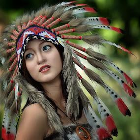 indiana girl by Vian Arfan - People Portraits of Women